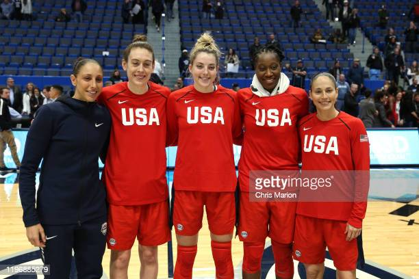 Women's National Team poses for a photo before the game against the UConn Huskies on January 27 2020 at XL Center in Hartford Connecticut NOTE TO...