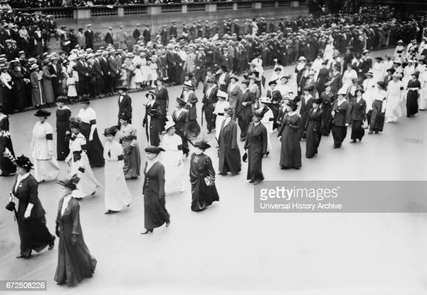 Women's Peace Parade shortly after Start of World War I Fifth Avenue New York City New York USA Bain News Service August 29 1914