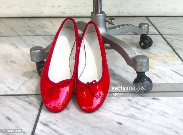 women's red shoes - red shoe stock pictures, royalty-free photos & images