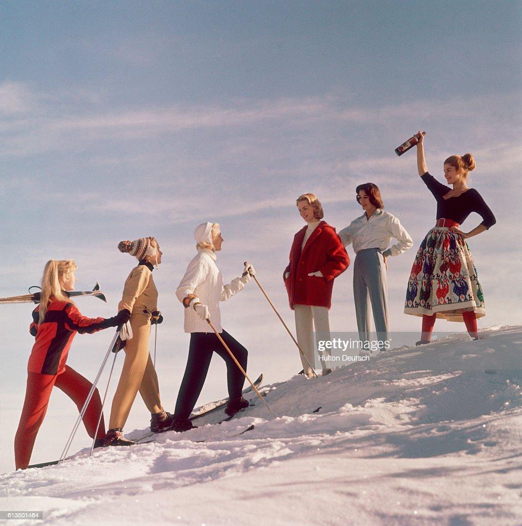Women's ski fashion.