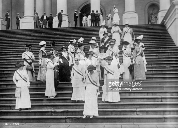 Women's Suffrage Group Steps of US Capitol Building Washington DC USA Harris Ewing 1919