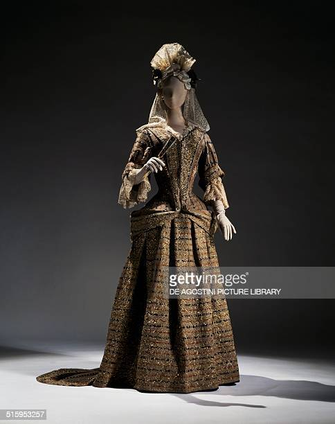 Women's wedding dress in gray wool beige with silver gilt embroidery ca 1695 17th century New York The Metropolitan Museum Of Art
