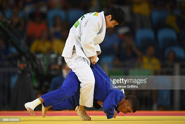 Won Jin Kim of Republic of Korea competes against Elios Manzi of Italy in the Men's 60 kg Judo on Day 1 of the Rio 2016 Olympic Games at Carioca...