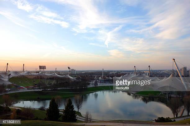 Wunderbare Olympischen Stadion in München bei Sonnenuntergang