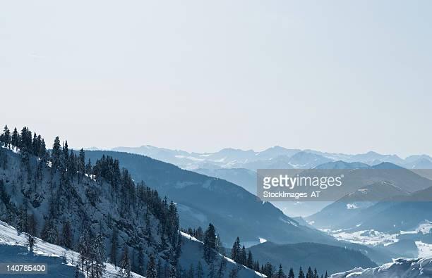 wonderful winter landscape of the austrian alps - schladming stockfoto's en -beelden
