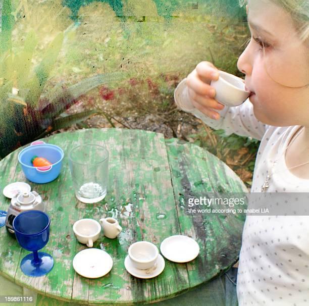 Wonderland: a mad tea party
