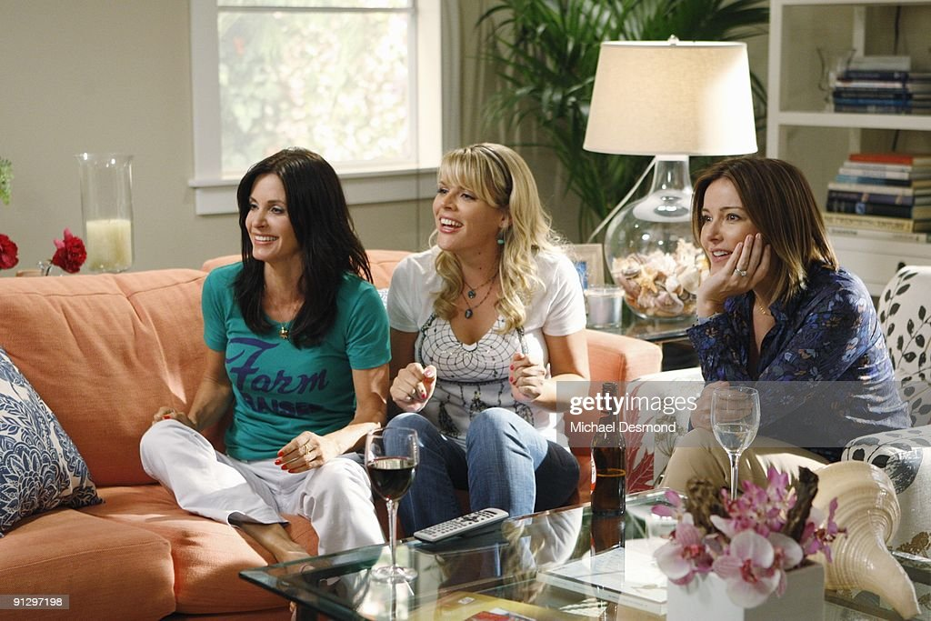 "ABC's ""Cougar Town"" - Season One : News Photo"