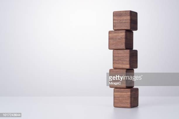 wood block cross stacking - 積み重ねる ストックフォトと画像