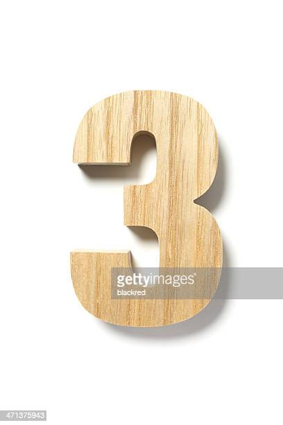 Número tres madera