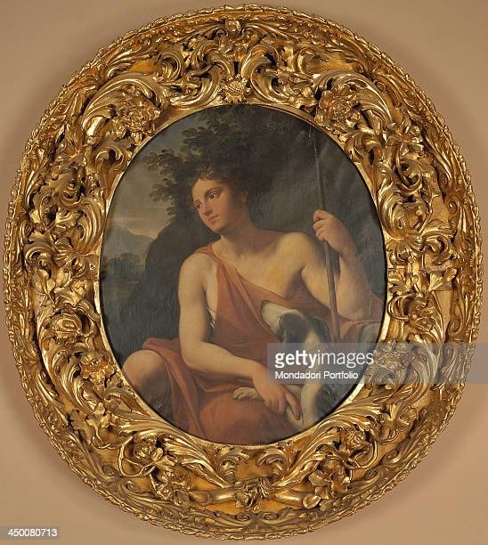 Wood oval frame by Bologna manufacture 18th Century water gilding with bole 70 x 100 x 30