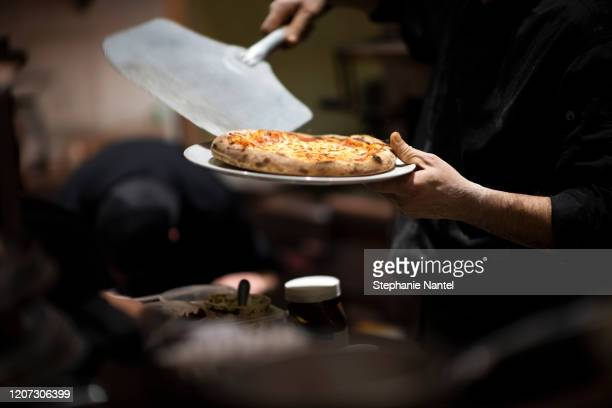 wood oven pizza - pizzeria stock pictures, royalty-free photos & images