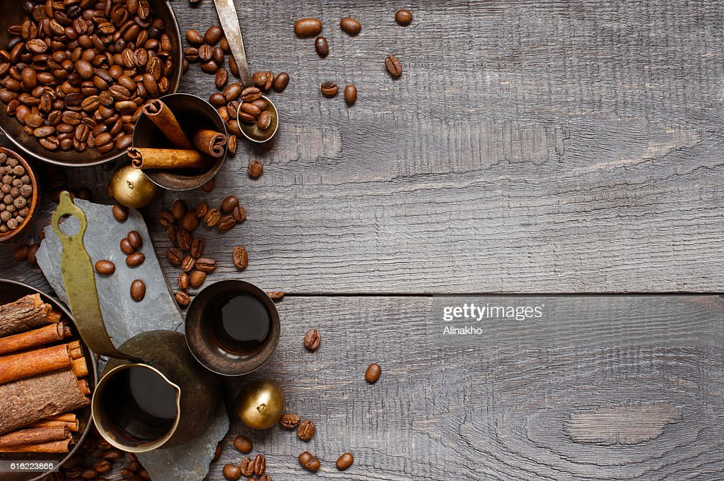 Wooden background with turkish coffe : Stock-Foto