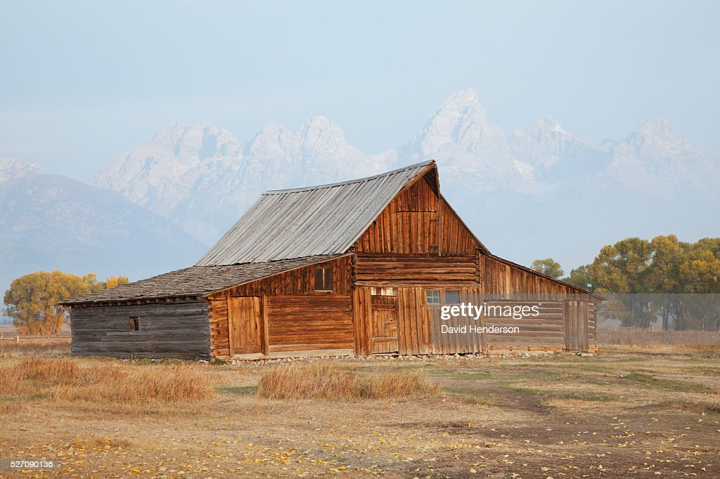 Wooden barn, Wyoming, USA : Bildbanksbilder