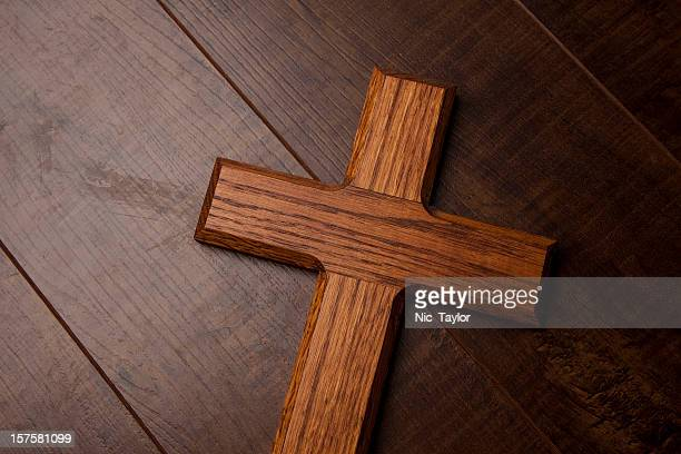 wooden cross background - easter religious background stock pictures, royalty-free photos & images