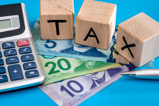 Wooden cubes tax with canadian dollar 915633582
