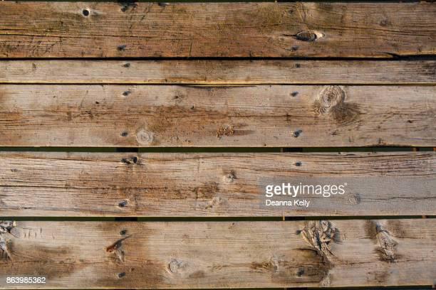 wooden dock planks background - ponton photos et images de collection