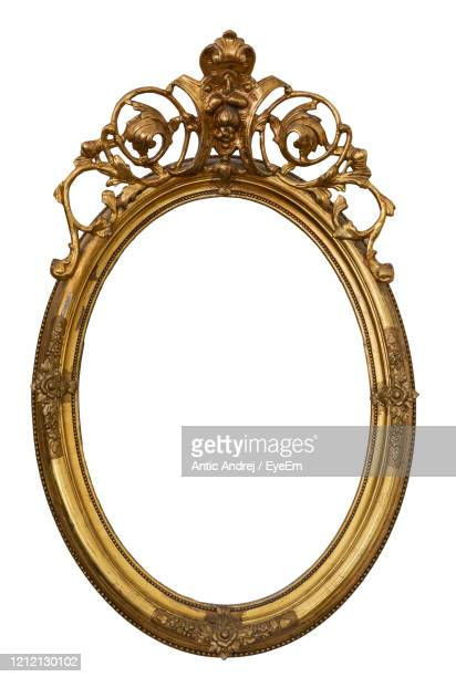 White Antique Style Oval Posing Frame