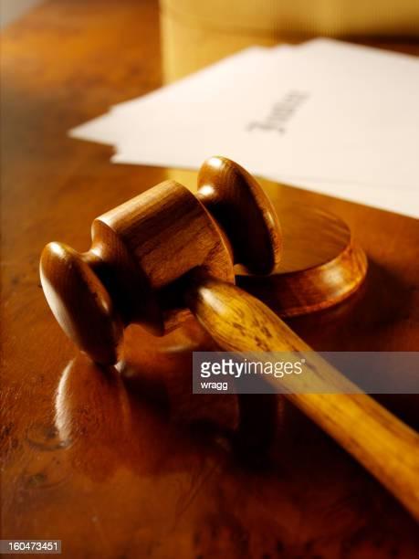 Martelo de Juiz de Madeira