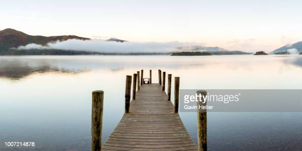 wooden jetty at barrow bay landing, derwent water, lake district national park, unesco world heritage site, cumbria, england, united kingdom, europe - gavin hellier stock pictures, royalty-free photos & images
