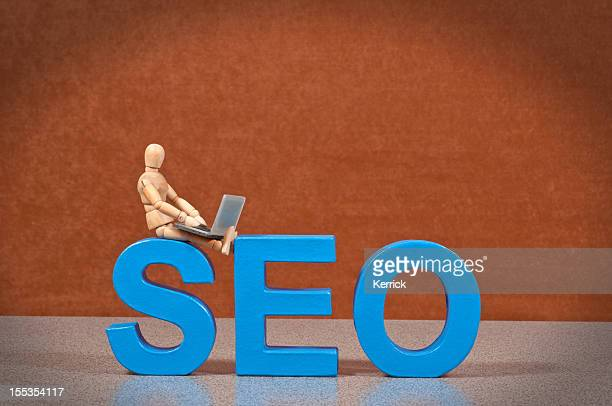seo-mannequin en bois preuve de ce mot - moteur de recherche photos et images de collection