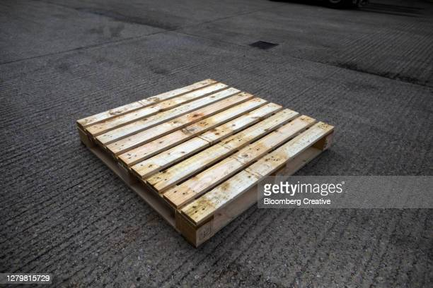 wooden pallet - pallet industrial equipment stock pictures, royalty-free photos & images