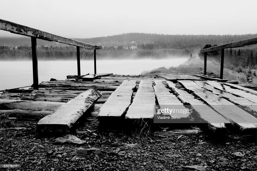 Wooden planks on platform on beach : Foto stock