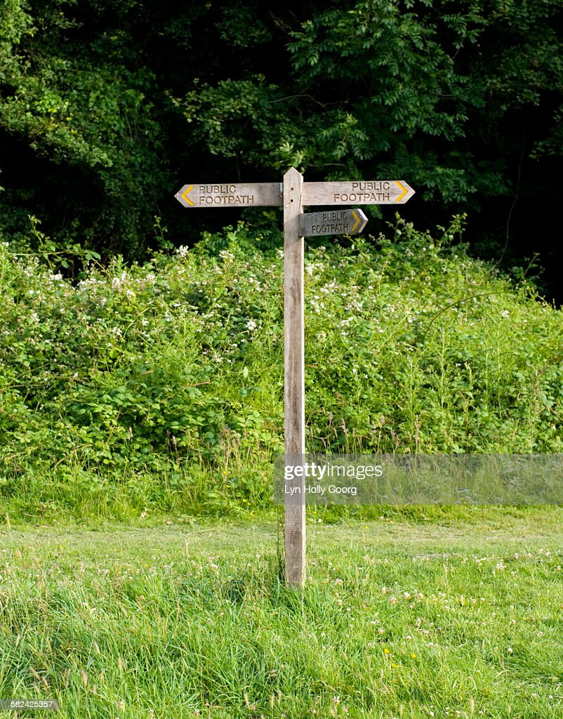 Wooden public footpath sign : Stock Photo