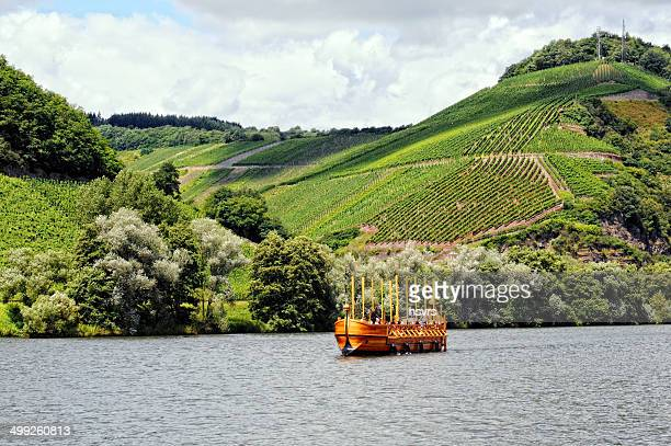 wooden ship reconstruction at neumagen (germany) - moselle france stock pictures, royalty-free photos & images