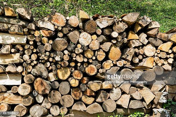 woodpile, sonvico, ticino, switzerland - heinz baumann photography stock-fotos und bilder