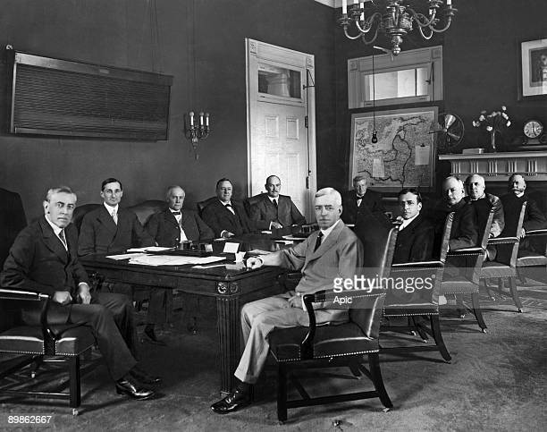 Woodrow Wilson 28th american president and his minister's personal staff back row Woodrow Wilson William G McAdoo Thomas W Gregory Josephus Daniels...