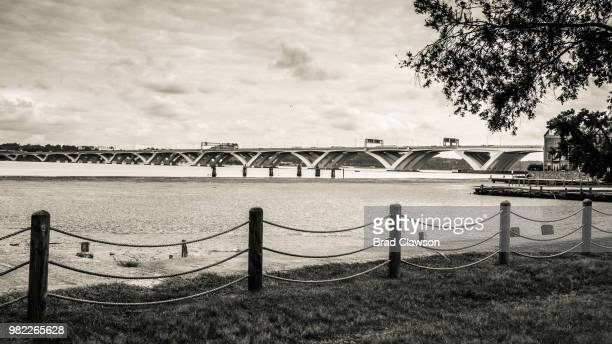 woodrow wilson bridge - woodrow wilson bridge stock pictures, royalty-free photos & images