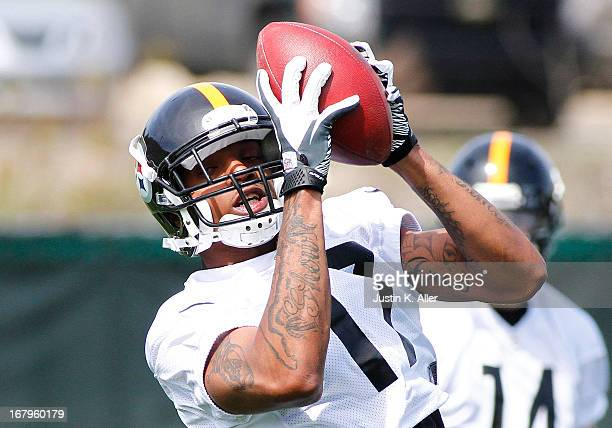 D Woods of the Pittsburgh Steelers participates in drills during Rookie Camp on May 3 2013 at UPMC Sports Complex in Pittsburgh Pennsylvania