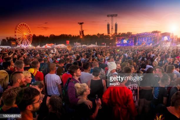festival de woodstock 2017, polónia - músico pop - fotografias e filmes do acervo