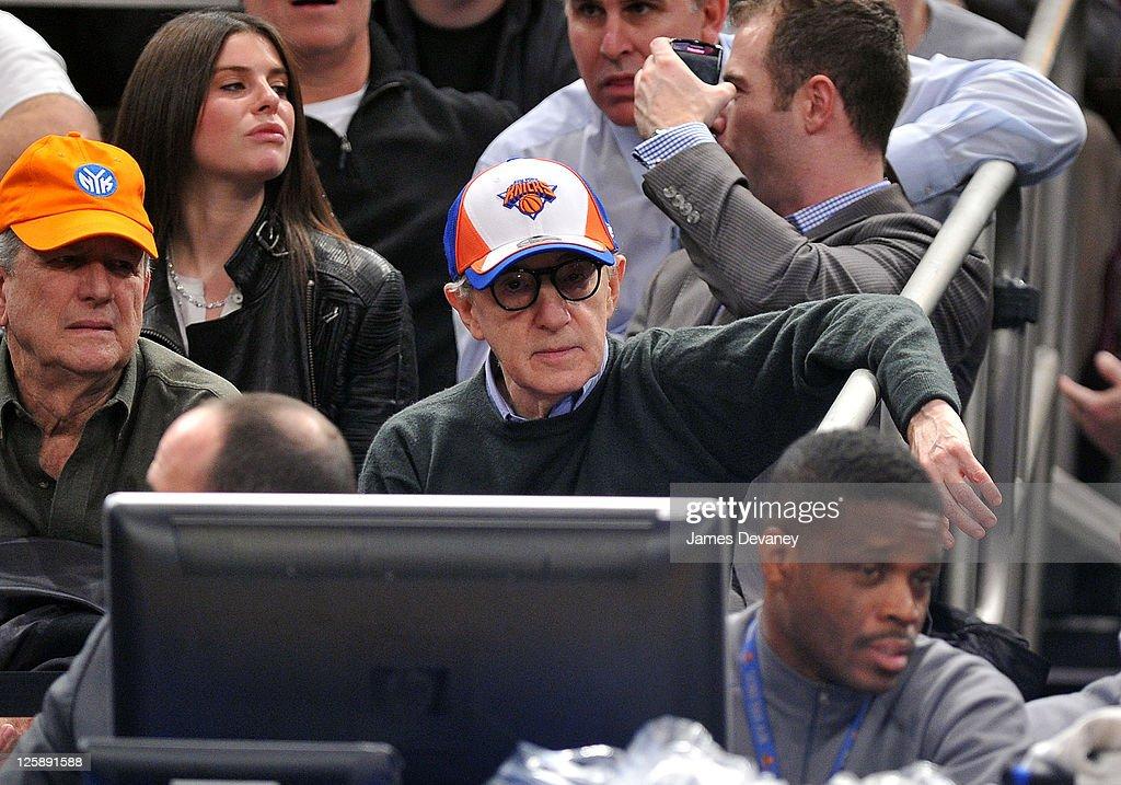 Celebrities Attend The Dallas Mavericks Vs New York Knicks Game - February 2, 2011 : News Photo