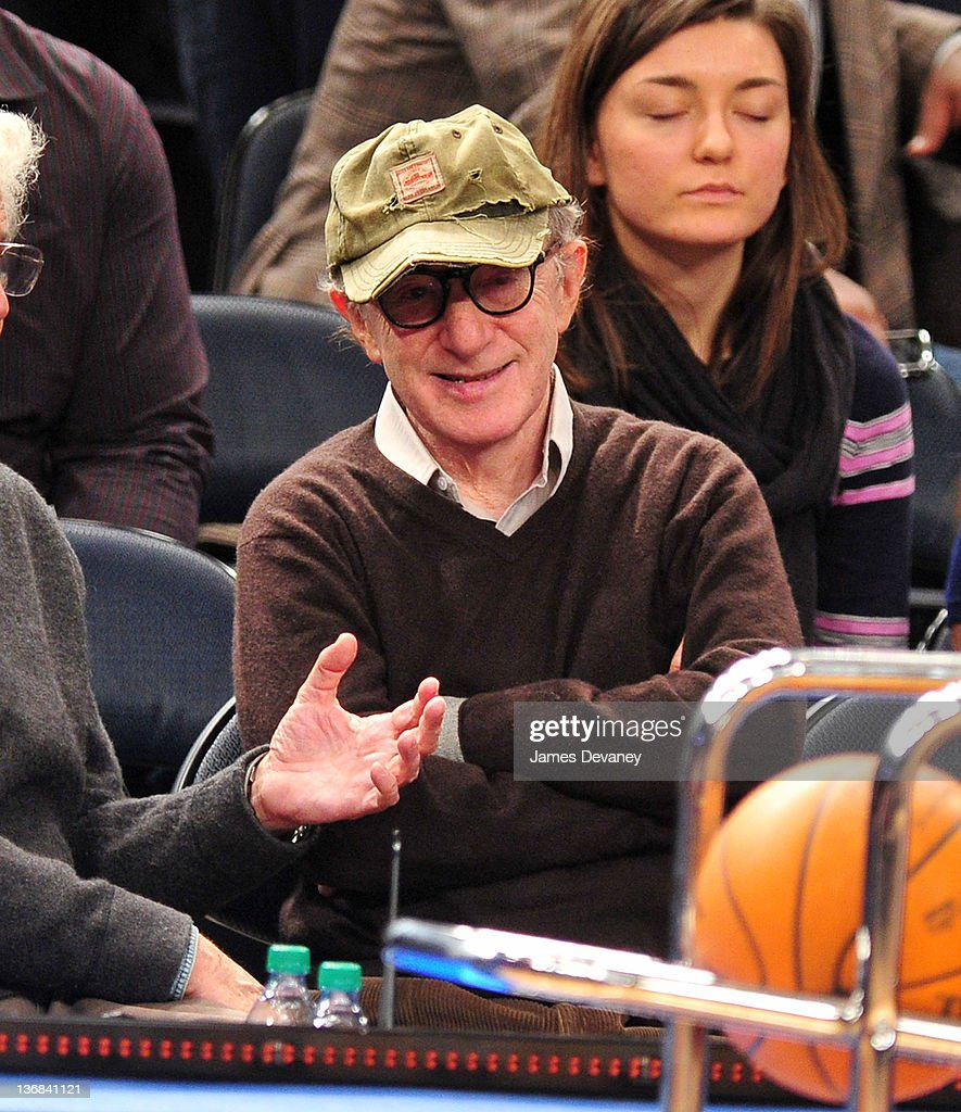 Celebrities Attend The Philadelphia 76ers Vs The New York Knicks Game - January 11, 2012