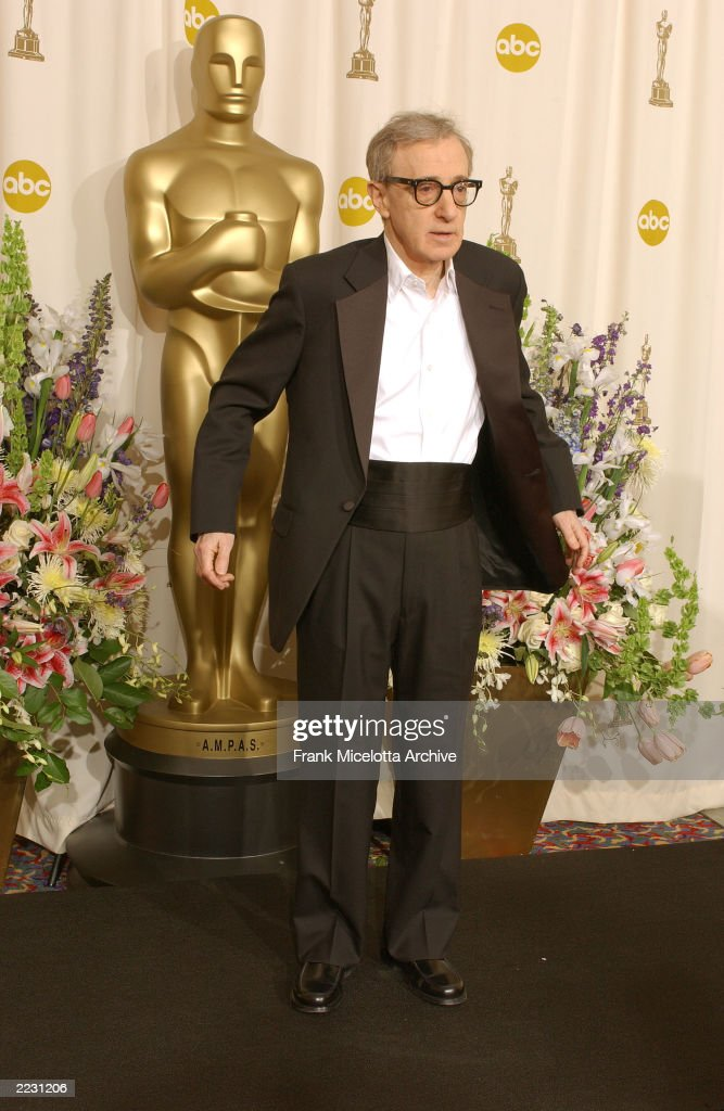 Woody Allen backstage at the 74th Annual Academy Awards held at the Kodak Theatre in Hollywood, Ca., March 24, 2002. 2002ImageDirect