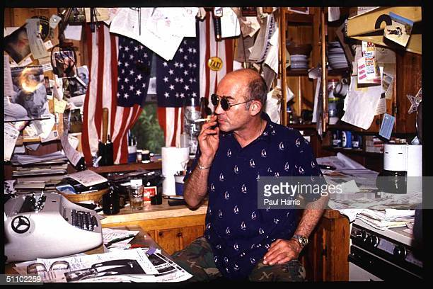 Woody Creek Colorado Hunter Thompson The Gonzo Journalist Sits At His Desk In His Rocky Mountain Cabin In 1998 The Movie Fear And Loathing In Las...