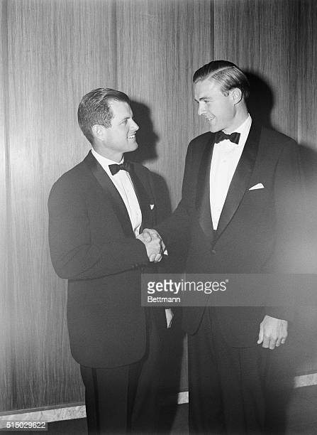 Edward M Kennedy and George Cabot Lodge shake hands as they met for a 90minute debate before 660 members of the Worcester Economic club in Bullock...