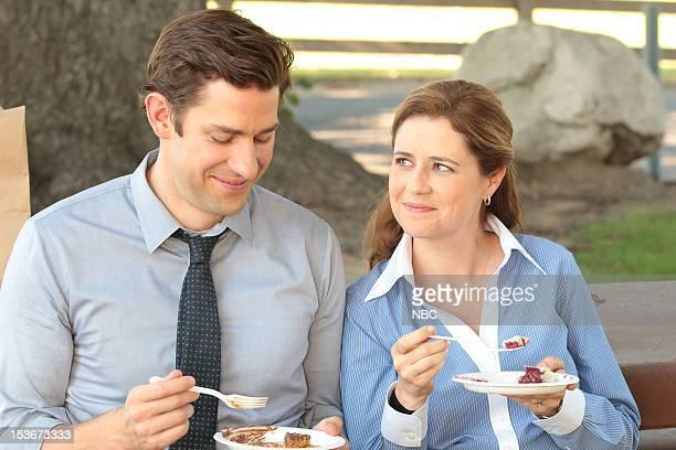 """Work Bus"""" Episode 904 -- Pictured: John Krasinski as Jim Halpert, Jenna Fischer as Pam Halpert --"""