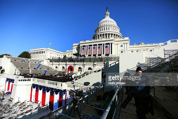 Work continues on the inaugural platform at the U.S. Capitol Building on January 16, 2009 in Washington, DC. President Elect Barack Obama will be...