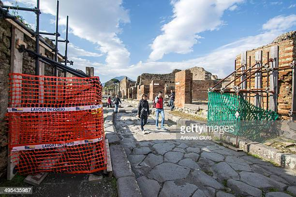 CONTENT] Work in progress in Pompeii after the recent collapse due to heavy rain the archaeological site has recently been subject to numerous...