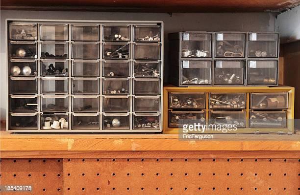 Werkbank Schubladen mit Schrauben