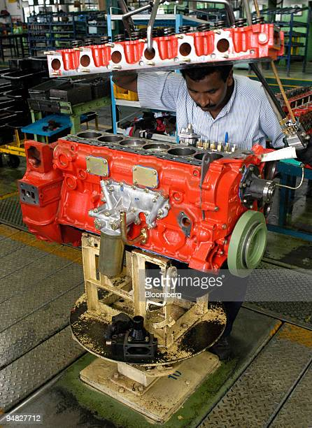 45 Ashok Leyland Ltd Pictures, Photos & Images - Getty Images