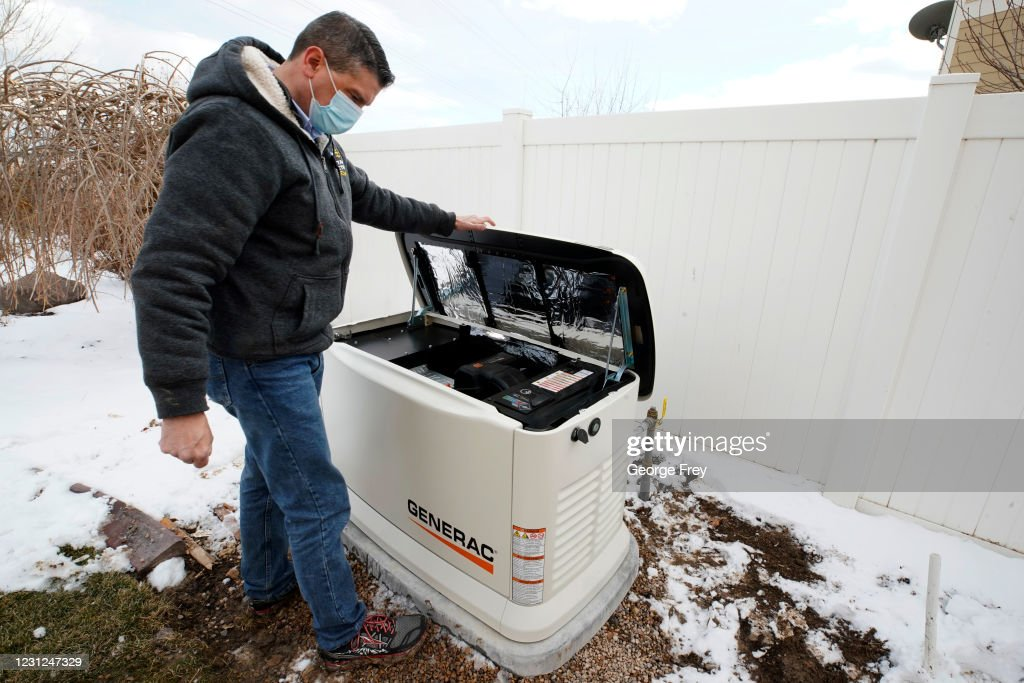 Americans Turn To Home Generators As Large Parts Of Nation Experience Freezing Temperatures : News Photo