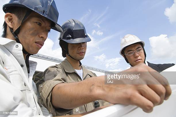 Worker, Front View, Side View, High Low Angle View, Differential Focus