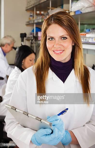 Arbeiter in einem Labor