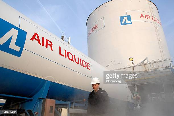 A worker is seen at the Air Liquide factory in Moissy Cramayel France on Thursday Feb 22 2007 Air Liquide SA the world's secondbiggest maker of...