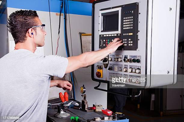 Arbeiter Betrieb CNC machine-center