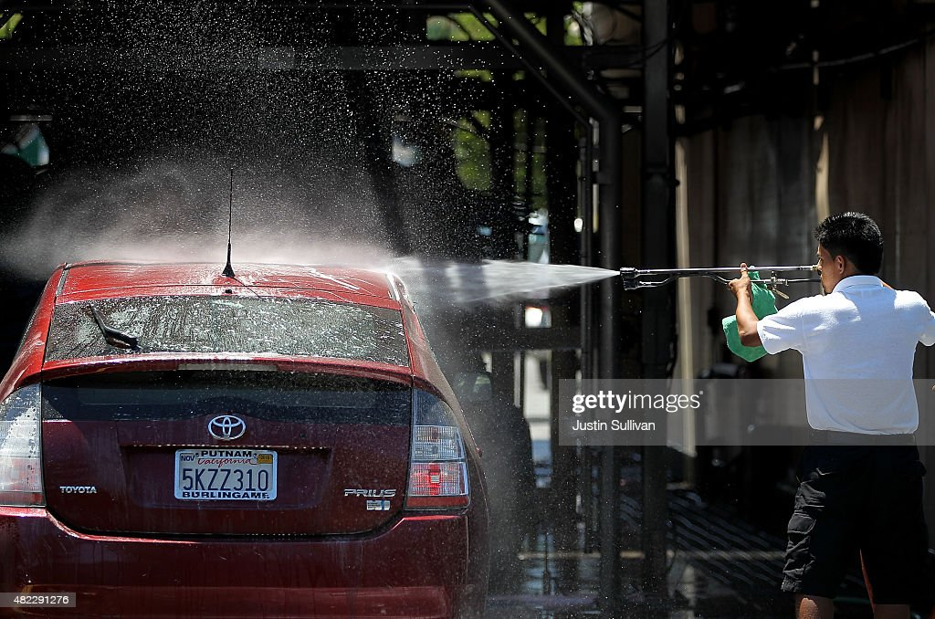 California County Urges Residents To Use Car Washes To Save Water : News Photo