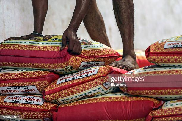 30 Rice Wholesalers At Apmc Market As Rice Exports Expected To Reach